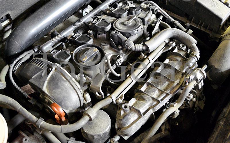 троит двигатель на горячую