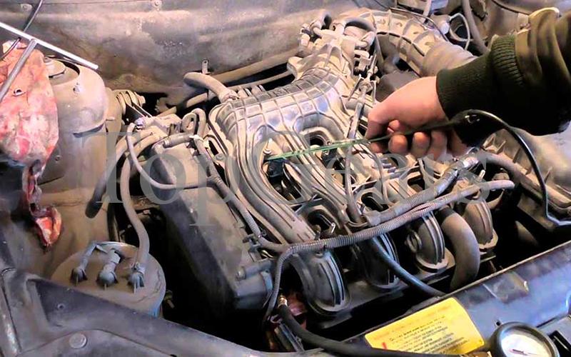 двигатель троит причины
